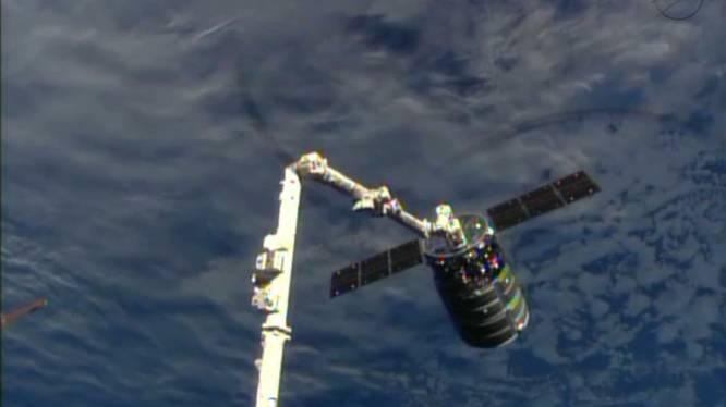 Commercieel vrachtschip eindelijk bij ISS