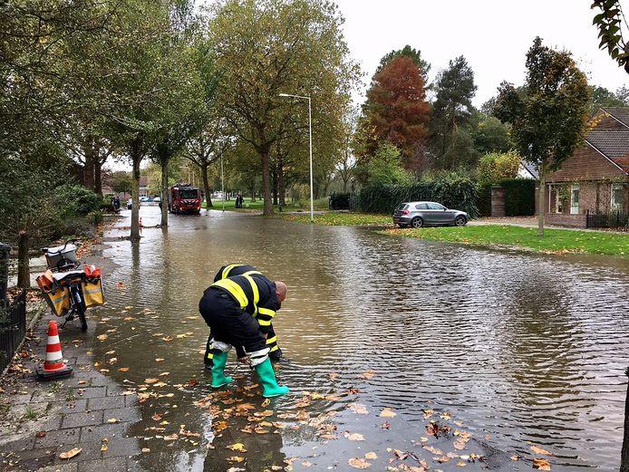 Overstroming aan de Melanendreef in Bergen op Zoom.