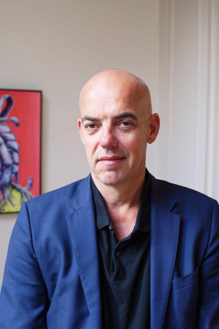 Niet te koop: Fons Hof, directeur van kunstbeurs Art Rotterdam en oprichter van de website Galleryviewer.com.  Beeld Marissa Splinter