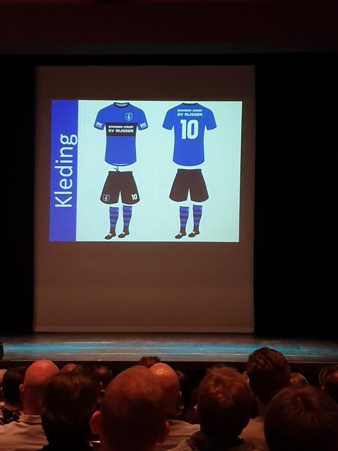 Het tenue van de fusieclub SV Rijssen wordt donkerblauw met zwart