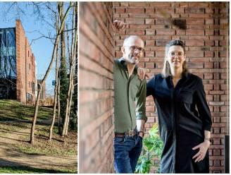 """""""Met water alleen is de centrale muur in het huis te herleiden tot modder"""": circulaire woning van Peter en Evelien toont bouwmethode van de toekomst"""