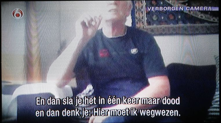 Screenshot van Koos H. zondag in de SBS6 TV-uitzending van Peter R. de Vries. De misdaadverslaggever zendt de gewraakte beelden van seriemoordenaar Koos H. zondagavond wel uit. Vrijdagmiddag verbood de rechter in Amsterdam de verslaggever de opnames uit te zenden, die hij met een verborgen camera in een tbs-kliniek in Vught heeft gemaakt van de tot levenslang veroordeelde Koos H. Foto ANP Beeld