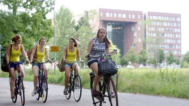 'Ze letten niet op, fietsen rijendik over straat, denken meteen dat de stad van hun is'