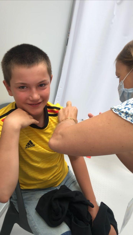 Matheo, 12 ans, tout juste vacciné.