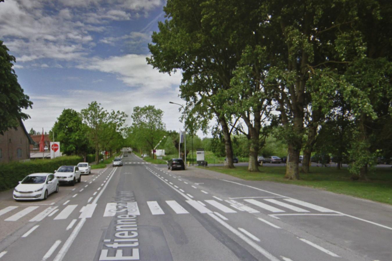 Aan de scholen Kulak en Vives in Kortrijk loopt de weg naar beneden, een geliefkoosde flitsplaats voor de politie.