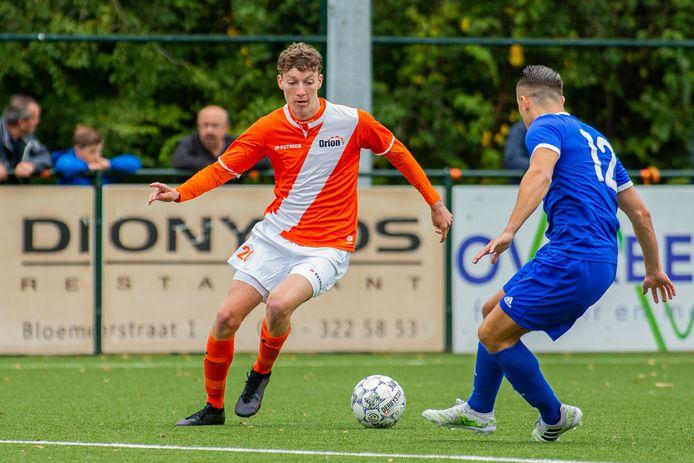 Het duel tussen Orion (oranje) en Nuenen, eerder dit seizoen. Het plan van de Nijmeegse club voor een vriendschappelijke competitie met onder meer Achilles'29 en AWC is omarmd door de KNVB.