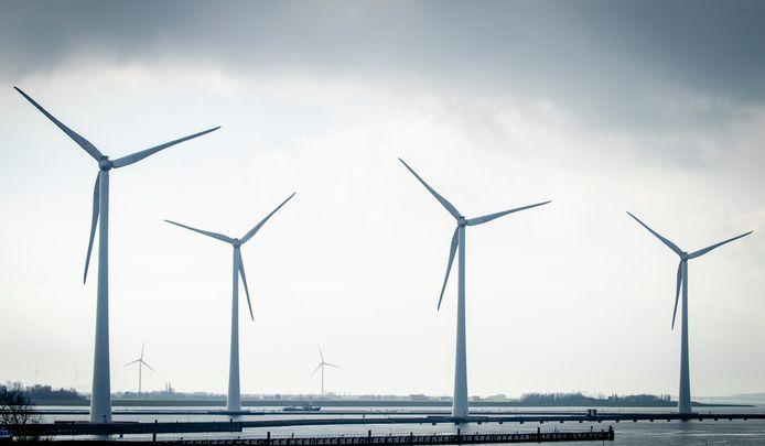 De windmolens van het windpark Krammer in Nederland.