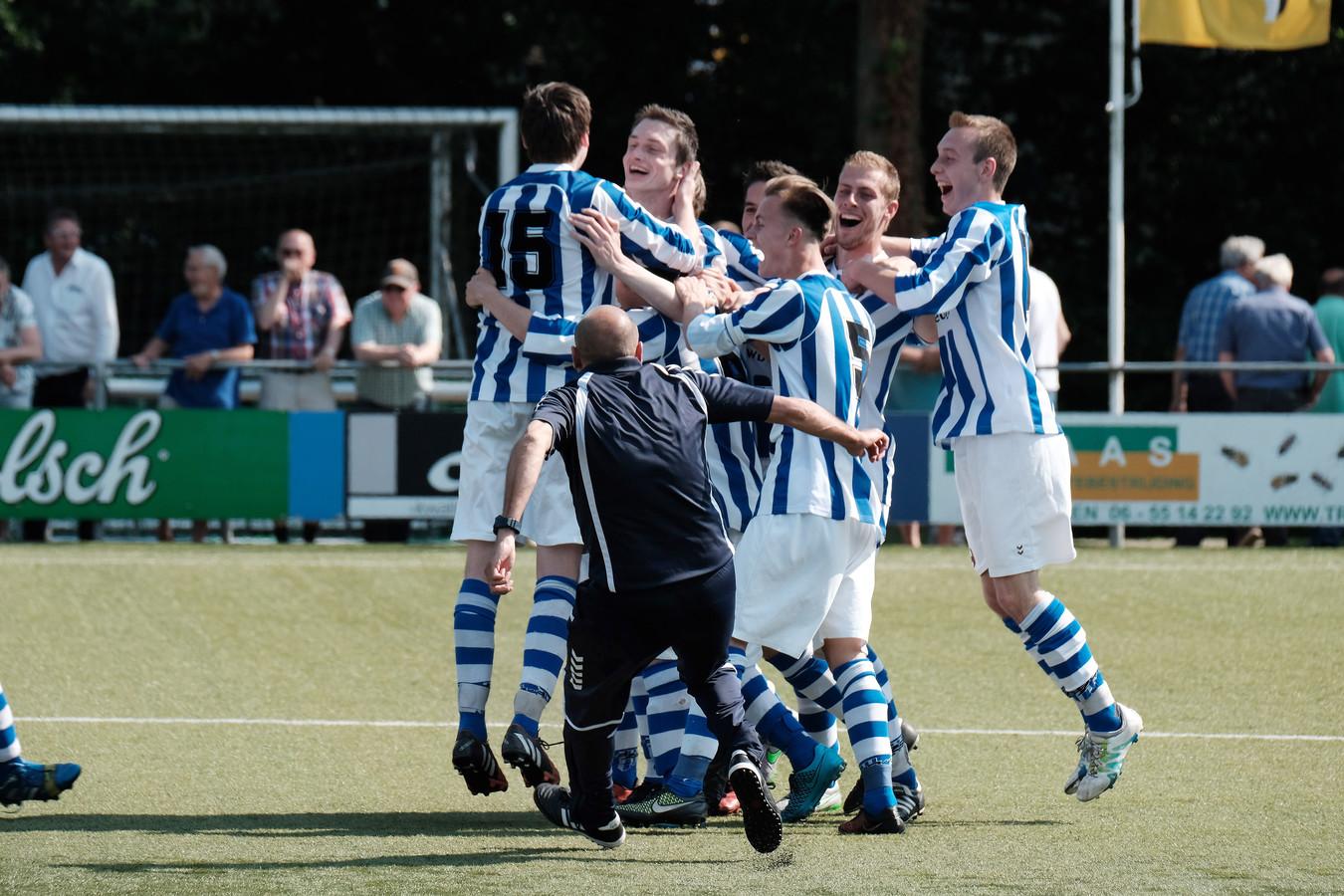 Zaterdagclub DZSV was jaren een begrip. Volgend seizoen is er geen zaterdagvoetbal op niveau meer in Dinxperlo.