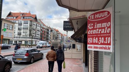 """Knokke-Heist wil einde maken aan bekende immoborden: """"Visuele vervuiling én gevoel alsof gemeente in uitverkoop staat"""""""