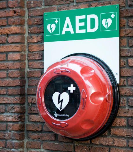 AED moet achter cijferslot na vernielingen: 'Zo gaat kostbare tijd verloren bij reanimatie'