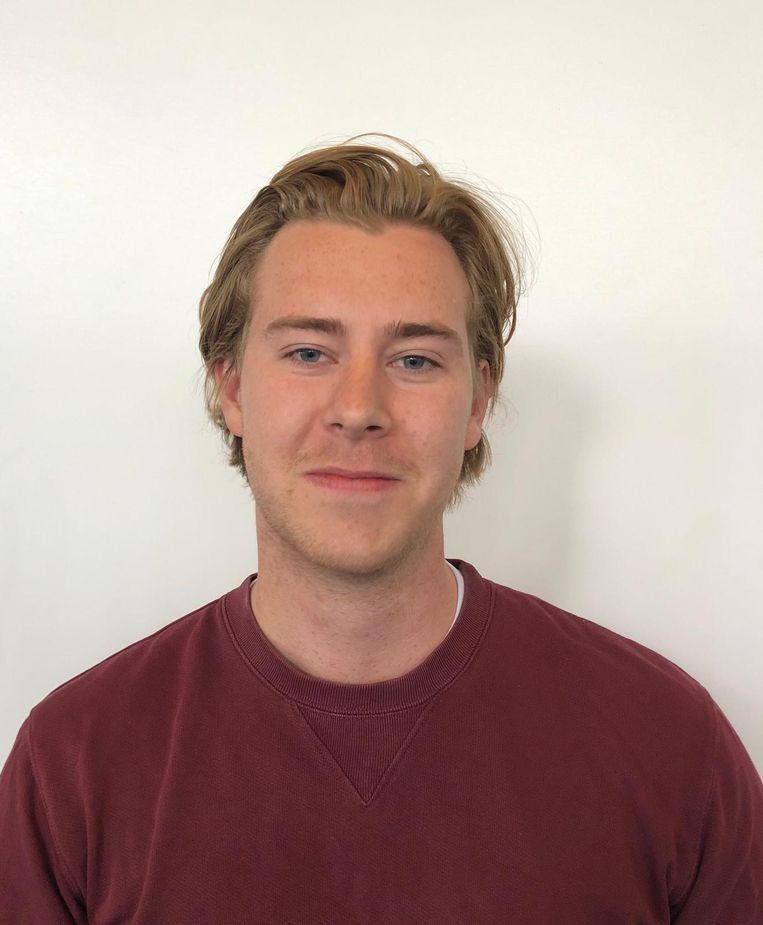 Simon Serné (22): 'Ik ga op vakantie en het scheelt dat ik nu niet meer hoef te wachten op PCR-testuitslagen.' Beeld