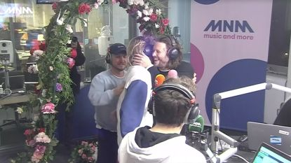 Oliver en Simon van Bazart ontdekken op de radio dat ze getuige van Mathieu zijn