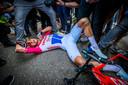 De iconische foto van Mathieu van der Poel na zijn Amstel Gold Race-zege in 2019.