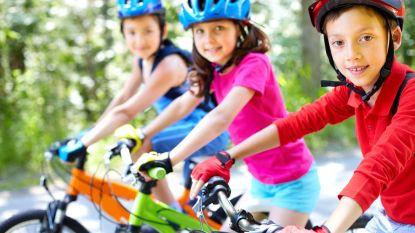 Kinderen leren fietsen zonder steunwieltjes