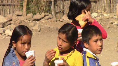 Scheve tafel met Boliviaanse gerechten voor 11.11.11