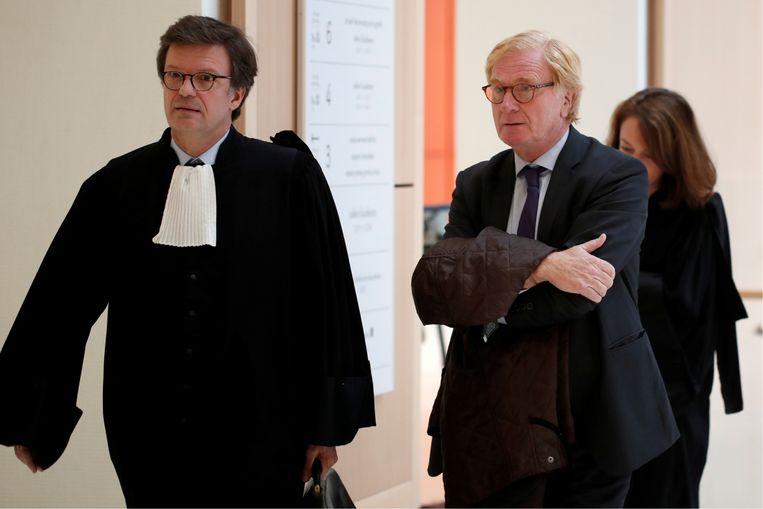 'Ik legde mijn bewijzen van fraude voor aan bankdirecteur Patrick de Fayet (rechts). 'Je bent gestoord,' zei hij. Meteen daarna begonnen de pesterijen' Beeld