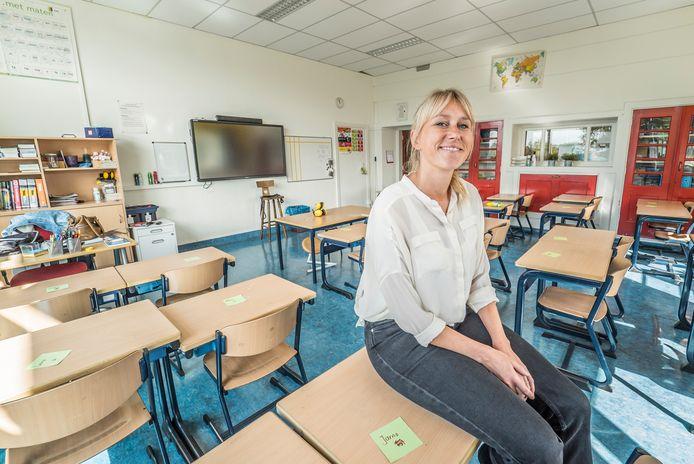 Eline Klooster op haar 40ste als juf op basisschool De Poort.