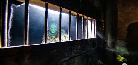Griezelen bij een spookhuis in Ommoord: 'Het wordt eng'