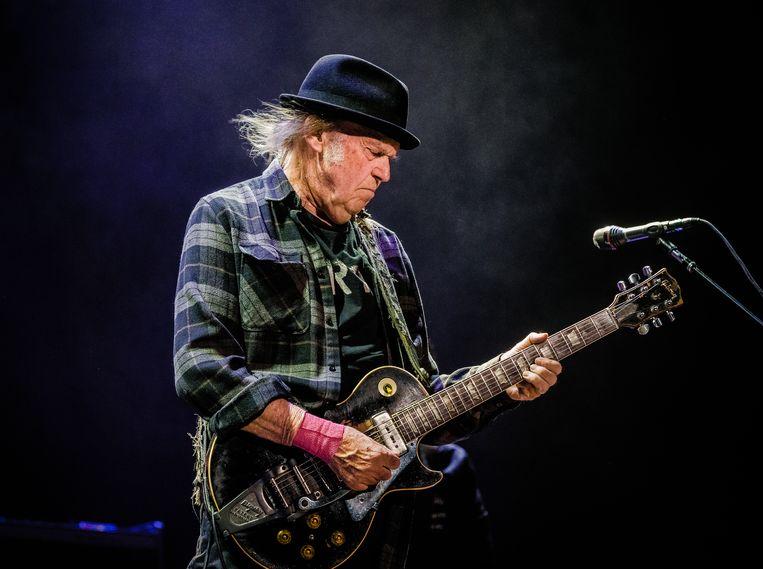 Elke beluistering van Neil Youngs 'After the Goldrush' brengt mij terug naar wie en waar ik ooit was. Beeld Ben Houdijk