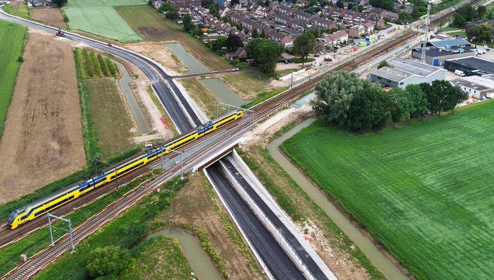 Hier wordt het derde spoor aangelegd