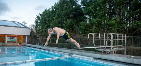 Duik in Alphens buitenbad enorm in trek: 'In januari buiten zwemmen? Normaal wijs je naar je voorhoofd'