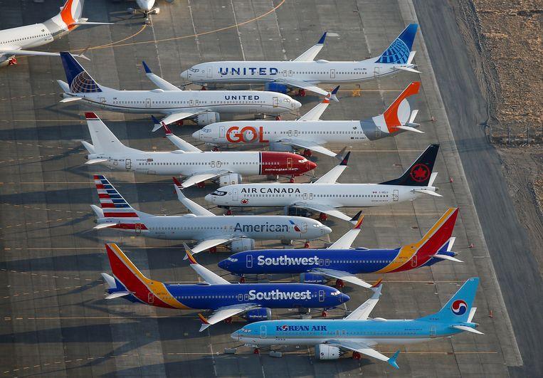 Boeing 737-MAX-toestellen staan geparkeerd op een luchthaven.