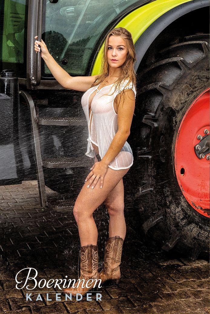 Laura Poot op de boerinnenkalender.