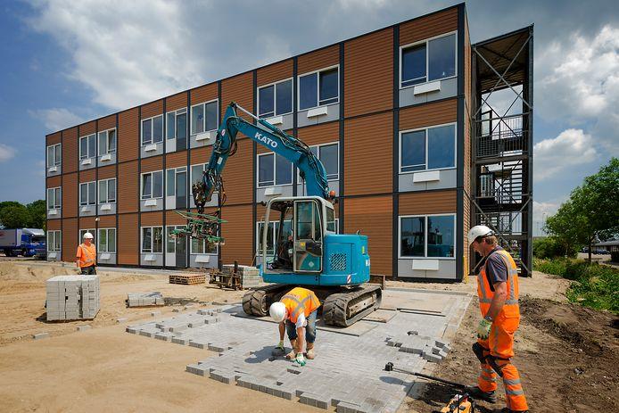 De bouw van het arbeidsmigrantenhotel in 2015 in Boskoop.