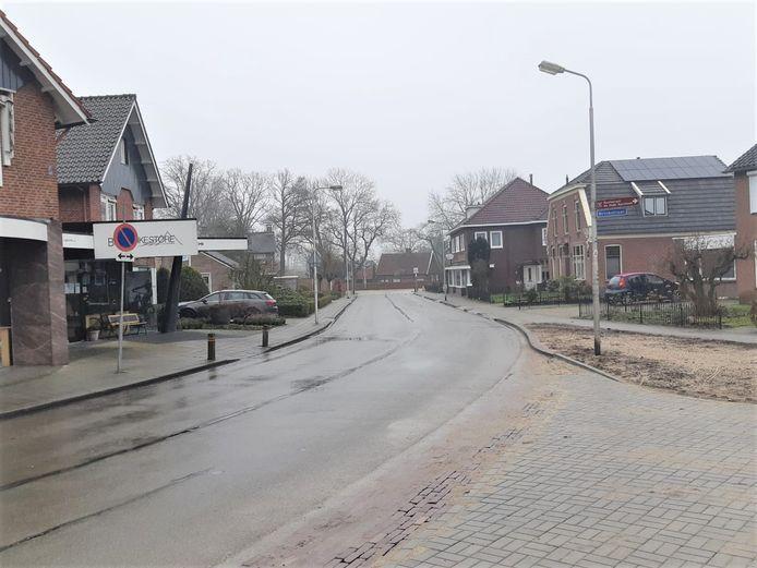 De Bernard Leurinkstraat in Losser met rechts de Brinkstraat.