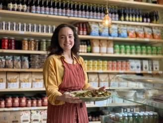 """Nieuwe kruidenierswinkel geopend aan Dampoort: """"Wat in het rek staat is met de grootste zorg uitgekozen"""""""