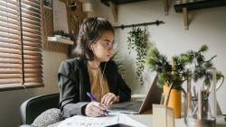 Voor de eenzame thuiswerker: deze sites en apps spelen kantoorlawaai af