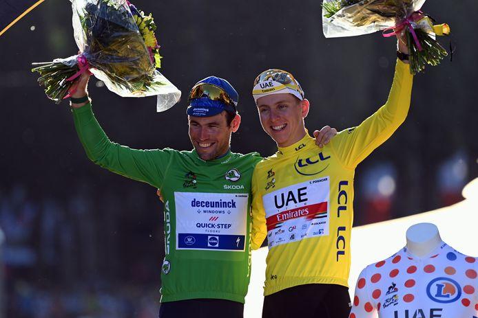 De 36-jarige Mark Cavendish pakt de groene trui, maar de 22-jarige Tadej Pogacar is de grote uitblinker van deze Tour: de gele trui, de witte trui en de bolletjestrui.