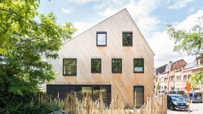 """Jan en Sabine bouwden een gezellige houtskeletwoning: """"vanuit elke kamer zicht op naastgelegen park"""""""