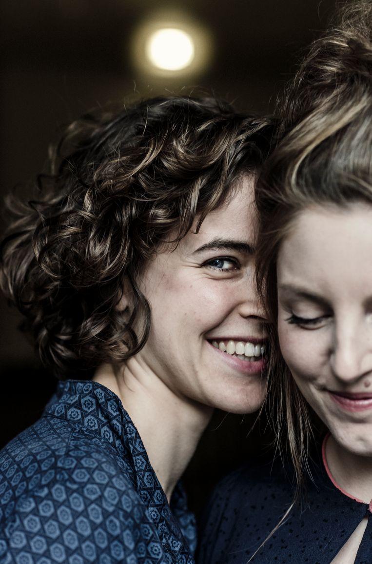 Bregje Hofstede en Lize Spit. Beeld Karoly Effenberger