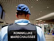 Twee Schipholmedewerkers verdacht van drugshandel