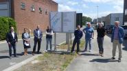 Leerlingen VTI zetten nieuwe signalisatieborden aan industriezones Rond de Watertoren