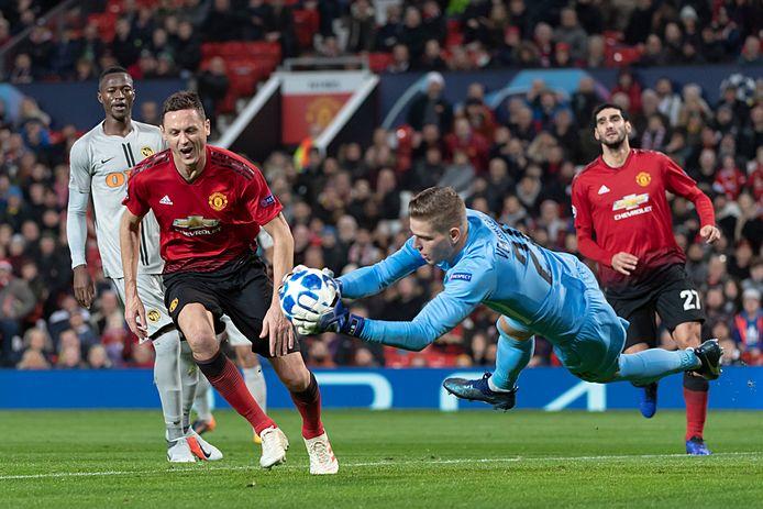 David von Ballmoos in actie tegen Manchester United.
