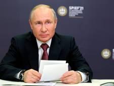 Poutine promulgue la loi ouvrant la voie à l'exclusion d'opposants des élections