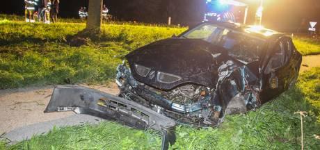 Automobilist raakt gewond bij eenzijdig ongeval in Rutten