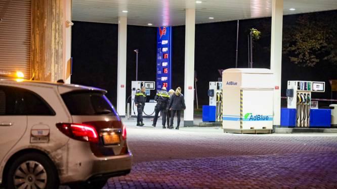 Schokkende video toont hoe 18-jarige Lentenaar knock-out wordt geslagen bij Arnhems tankstation