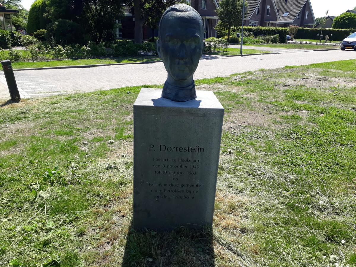 Dokter Dorresteijn was volgens oud-patiënte Hennie Frederik Van Zomeren de eerste met een röntgenapparaat.
