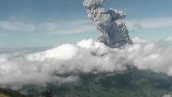 Merapi-vulkaan op Indonesië spuwt as tot 6 km hoog