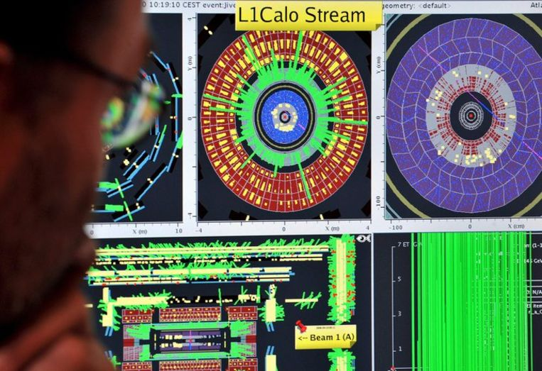 Dat de deeltjesversneller voor kleine zwarte gaten zou zorgen, wordt door CERN ontkracht. Foto EPA/Fabrice Coffrini Beeld