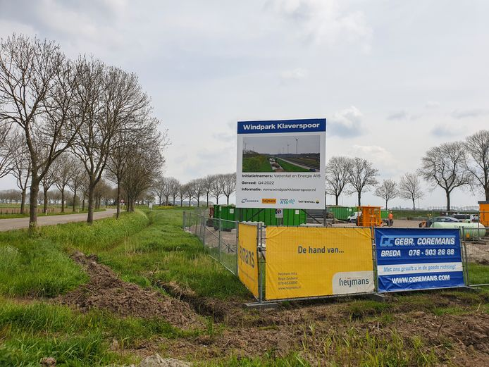 Vattenfall is begonnen met de voorbereidingen van de bouw van Windpark Klaverspoor bij buurtschap Binnen-Moerdijk, gemeente Drimmelen.