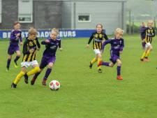 Jeugd kan eindelijk weer voetballen 'voor het echie' in Regiocup; 'Het publiek zou de grote winnaar geweest zijn'