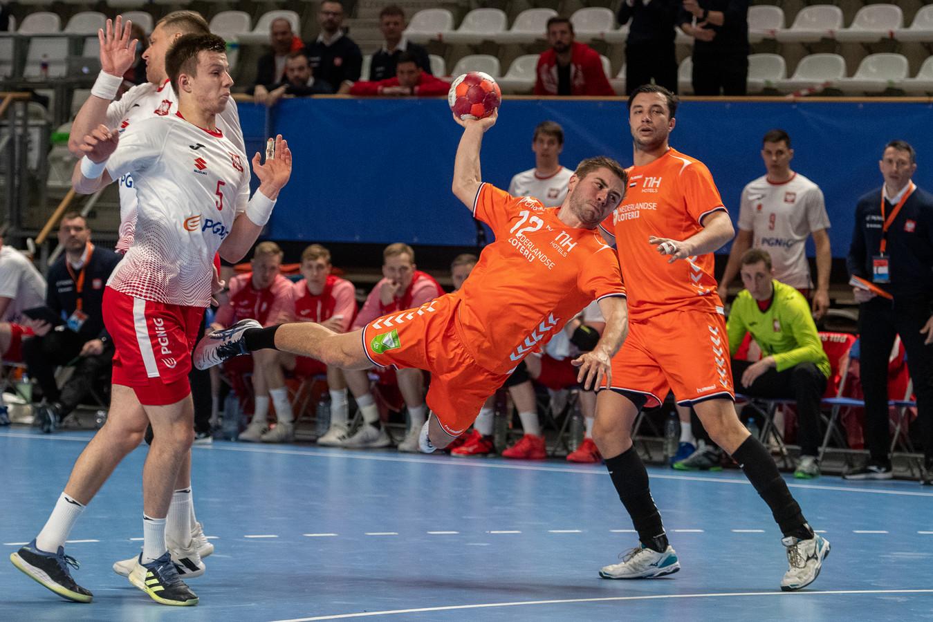 Luc Steins in actie namens Oranje tegen Polen.