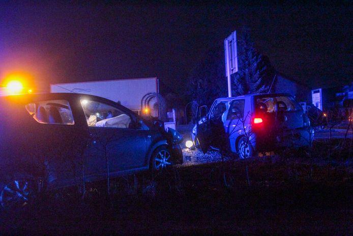 Twee auto's op elkaar geklapt tussen Zutphen en Baak.