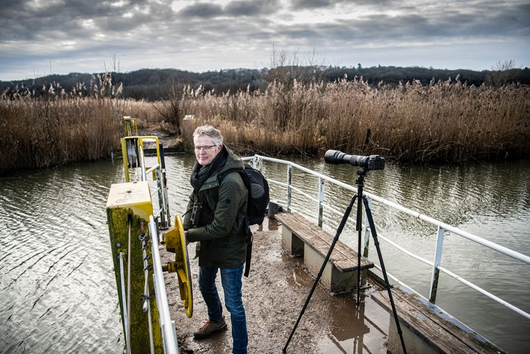 Geert Klein Breteler, sinds de lockdown fanatiek natuur- en vogelfotograaf. Beeld Koen Verheijden