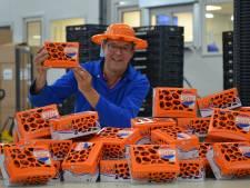 Oranje juichboxen vol met Westlandse snoeptomaatjes