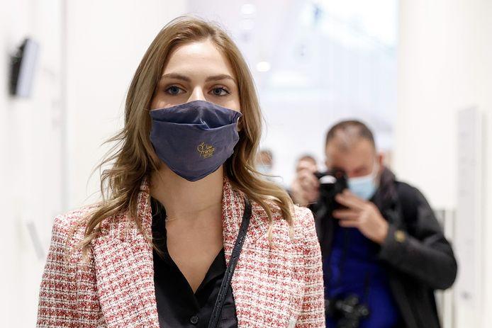 Miss Provence 2020, April Benayoum à son arrivée au tribunal correctionnel de Paris.
